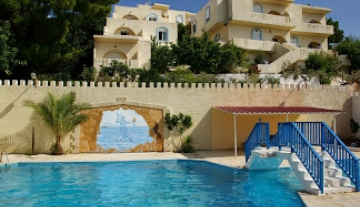 IERH5890 – Hotel complex with sea view in Ierapetra.