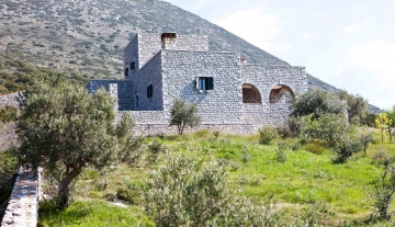MPV7893 – Villa of 245 m2 in Mani, Peloponnese.