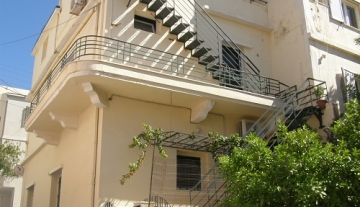 ANA649 – Complex of three apartments in the center of Aghios Nikolaos.