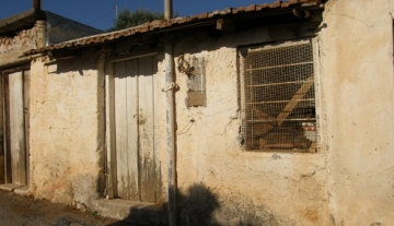LTH5047 – 2 Old traditional homes in Lakonia.
