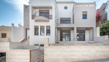 SLV9456 – luxurious maisonette of 248 m2 in Sitia, Crete.