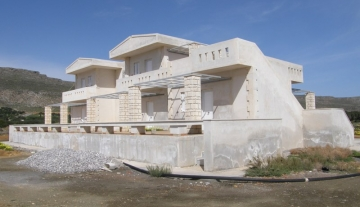 STUC3451 – 5 Unfinished Apartments in Sitia.
