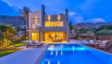 IERV7208-Luxurious villa overlooking the sea in Ierapetra